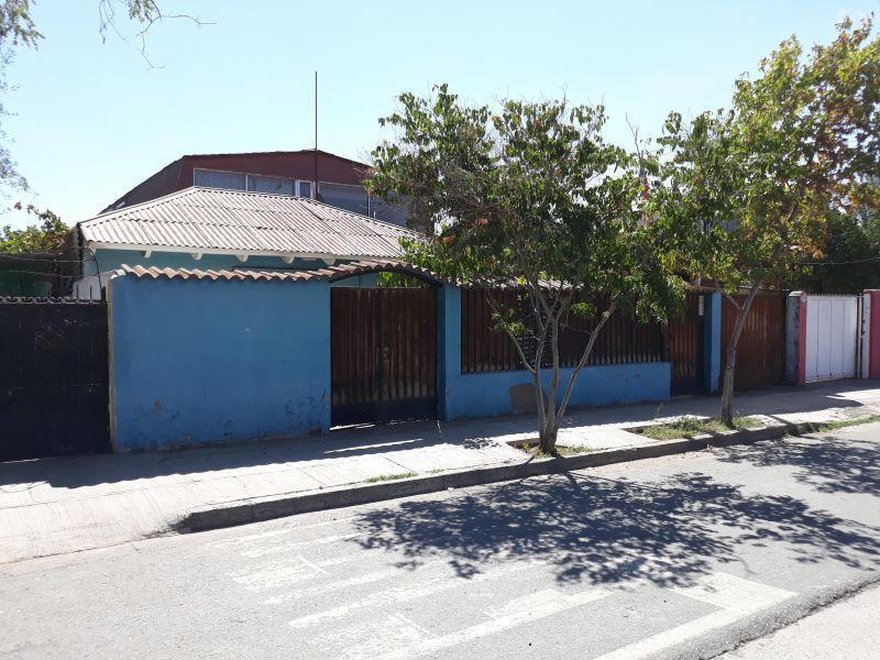 Dos casas y local 358m2/230m2 Trinidad/Sta.Raquel